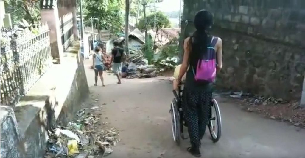 Simona-Anedda-traffico-India-1024x533