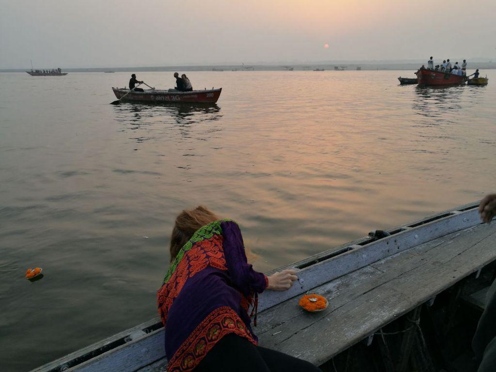 Alba sul Gange (1)
