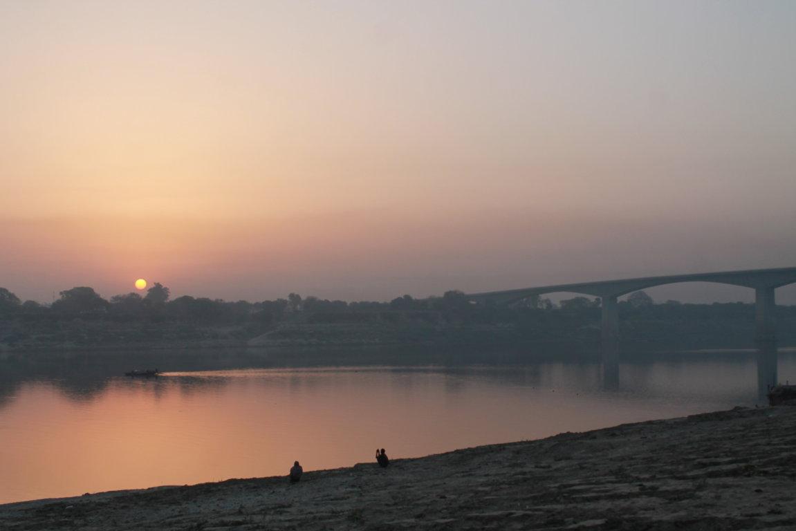 Alba sul Gange (4)