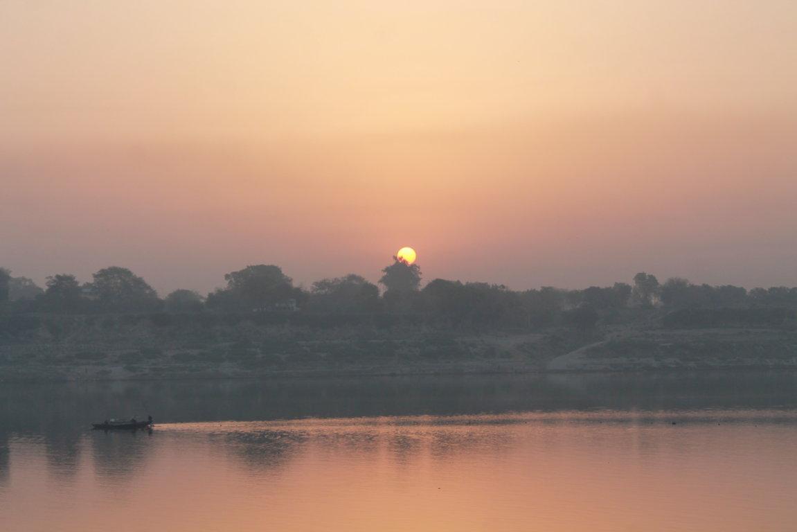 Alba sul Gange (5)