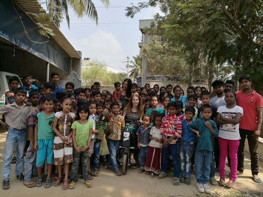 Simona a Bangalore
